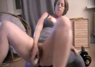 Milf mum massive screaming real orgasm with white